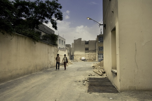 Two teens, Tehran by James Longley